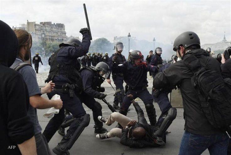 17-Represión-policial-durante-las-protestas-contra-la-reforma-laboral-AFP-DOMINIQUE-FAGET-837x564